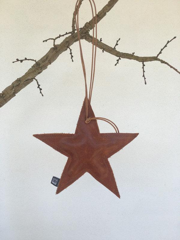 Læder stjerne med økologisk kapok - NORDIC BY HAND